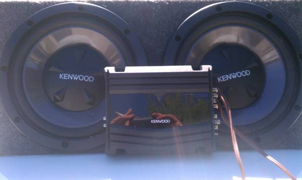 MAKE YOUR CAR GO BOOM KENWOOD 12 SUBS AMP COMBO.2 WKS OLD - $175 (BANDERA AND E BROADVIEW)
