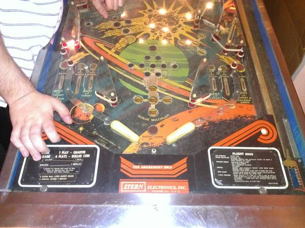 Flight 2000 Pinball Table For Sale - $400 (I101604)