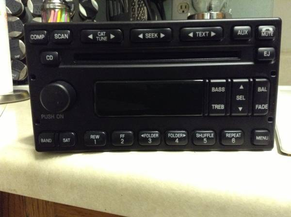 ( FORD RADIO CD ) MP3 FACTORY STOCK OEM - $85 (SEE ADD APPLICATIONS)