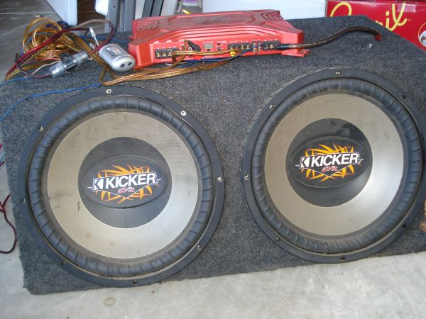 Two 15 Kicker CVR sub Woofers w - $150 (san antonio)