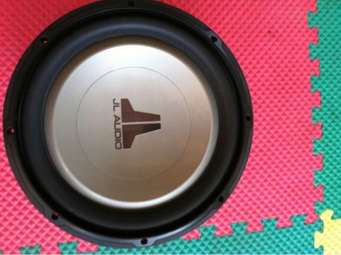 2 12 JL W1V2-4 AUDIO SUBS LIKE NEW - $200 (Castroville )