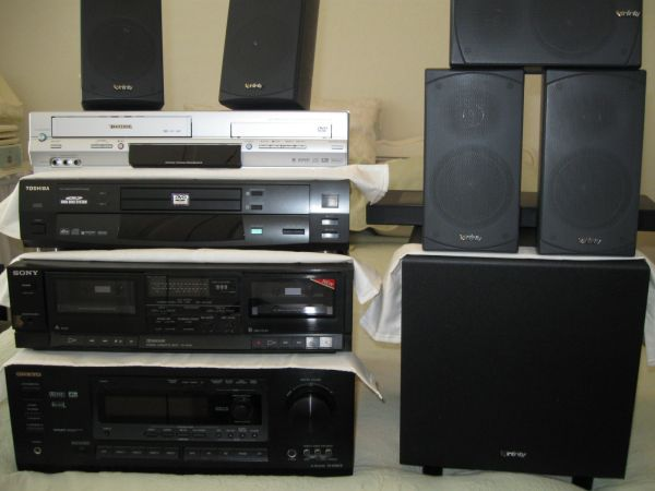 Home Stereo System (Just REDUCED) - $300 (San Antonio (Alamo Ranch))