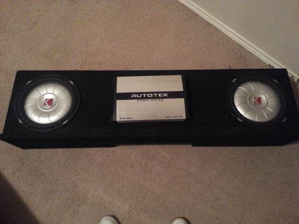 2 kicker 12 subwoofer in truck box with autotek - $250