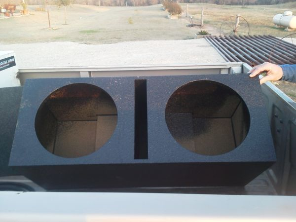 Dual 15 inch subwoofer box, ported - $100 (Seguin)