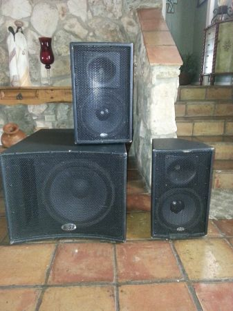 Mobile DJ system, Karaoke, Nightclub, Home system....works great - $785 (Helotes areawill deliver)