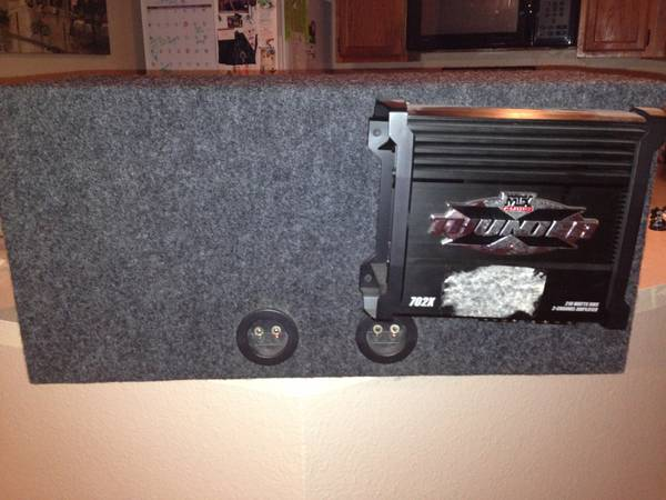 Kicker set of 10 inch speaker with box and mtx thunder audio . - $1 (1604 blanco)
