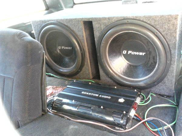 2 15 Q-POWERS W BOX QUANTAM AUDIO AMP - $300 (San Antonio)