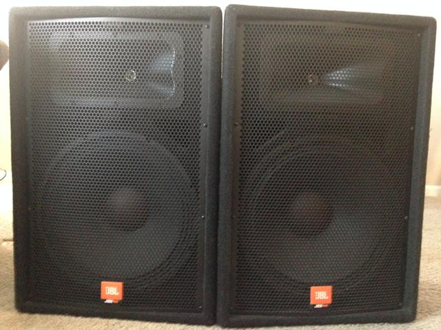 419  2 Pro Audio Speakers Pre-owned