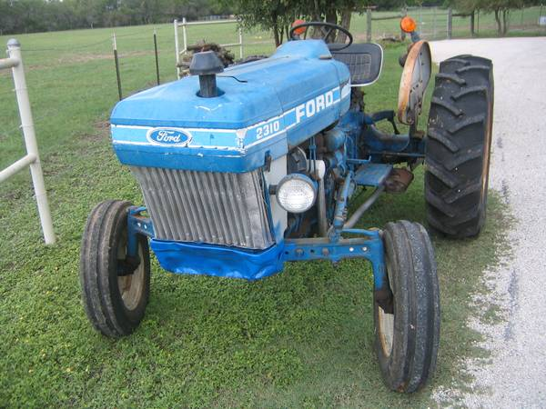1982 Ford 2310 Diesel Tractor  - $4500 (Southeast Bexar)