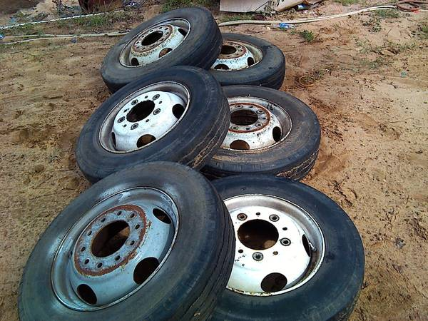 8r19 5 Tires For Sale