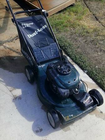 Craftsman 6.0HP Self-Propelled 22 Lawn Mower w BAGGER - $120 (west ave.410 - on Lively)