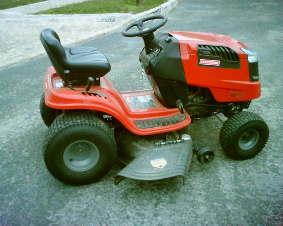 2012 Craftsman riding mower Lt 2000 - $995 (UP 4 SALE AGAIN S A)