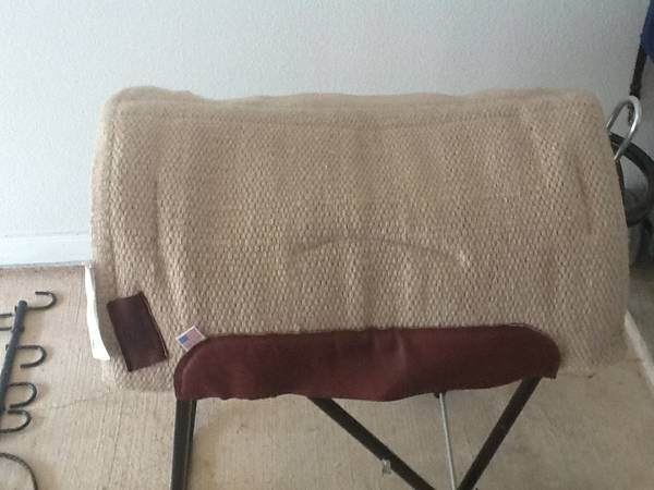 Western Saddle pads, misc tack, Gastromax - $1 (MED CENTER)