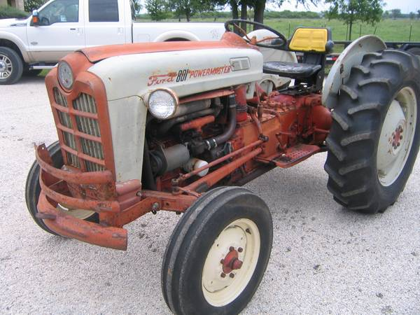 Ford 801 Powermaster Tractor - $3850 (Southeast Bexar County)