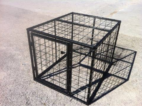 e click here to confirm that you posted the Dog boxes small livestock carrier (Kerrville)