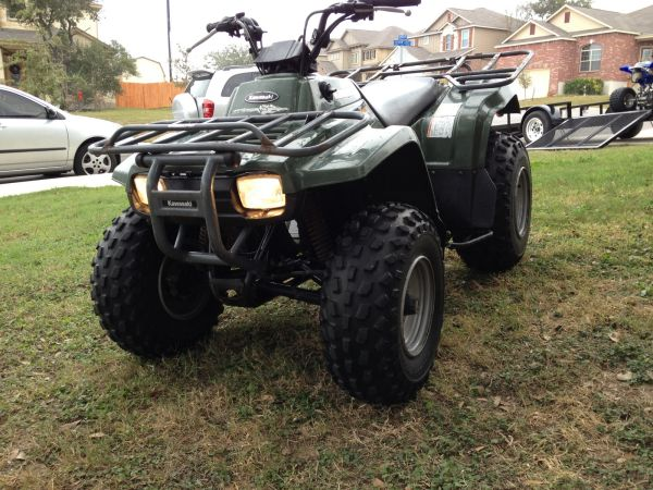 Kawasaki Bayou 250 - ATV  4 Wheeler  4-Wheeler  Four Wheeler - $1795 (Sea World Area)