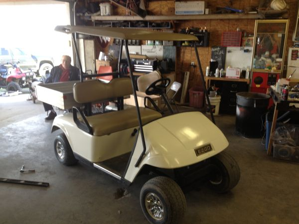 Ez Go Golf Cart and Charger - $1850 (LaVernia,TX)