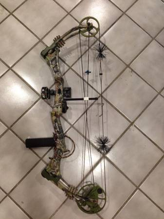 Bear Archery Compound Bow -   x0024 200  NE SA