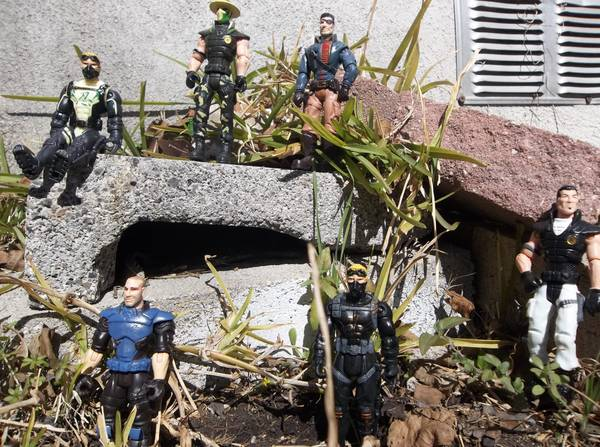 Reduced THE CORPS ACTION FIGURES -   x0024 3  SOUTHSIDE