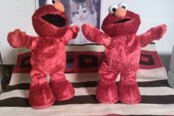 TWO 2002 PLUSH HOKEY POKEY ELMOS -   x0024 15  NW SA