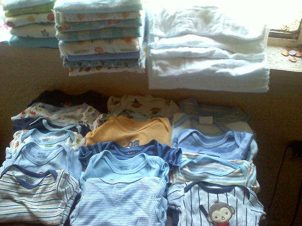 Yard Sale LOTS OF BRAND NAME BABY ITEMS WOMENS CLOTHING MENS AS WELLNE - $1 (east of s.a)