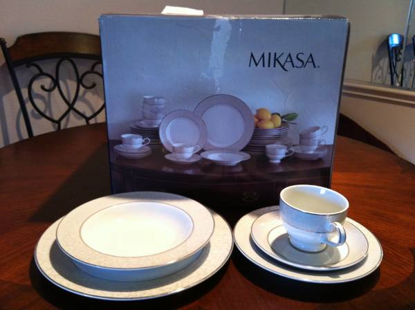 Dishes - $65 (San Antonio)