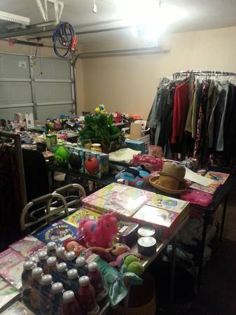 HUGE YARD SALE OVER 75 VENDORS THIS SAT 050413 (2002 BANDERA RD.)