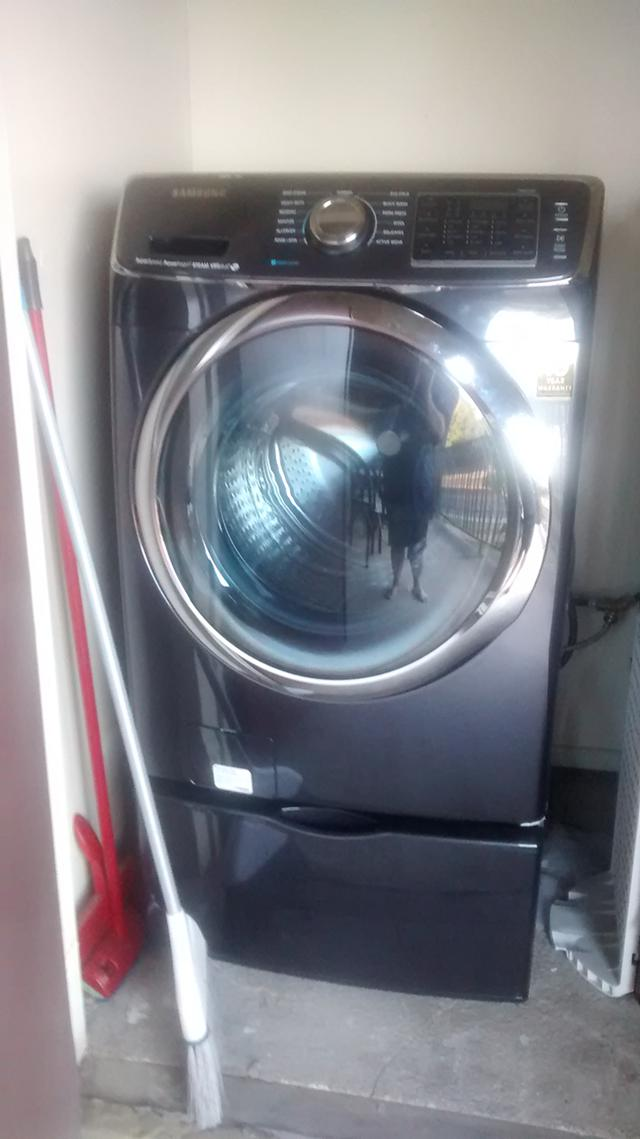 1 700  Samsung Washer and dryer