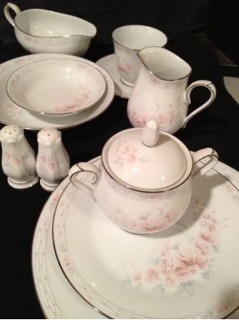 63 pc Mikasa China for 8 $275 wFREE 24pc drinkware set - $240 (San Antonio)