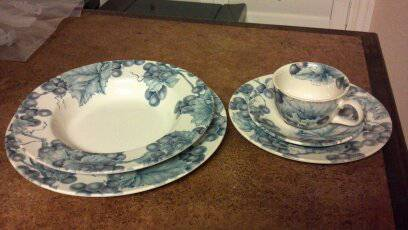 Dishes Pier 1 - $40 (Medical Center Area)