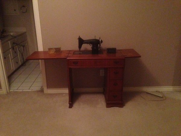 Antique Kenmore sewing machine with cabinet - $150 (Fair Oaks Ranch)
