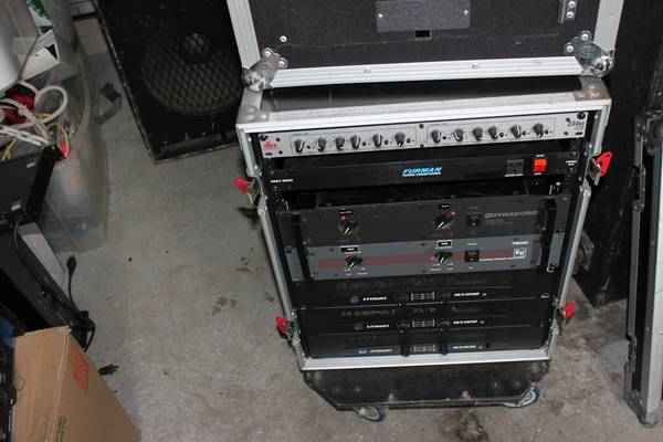 Amps, Crossover, and Amp Rack $1,00.00 OBO - $1000 (New Braunfels)