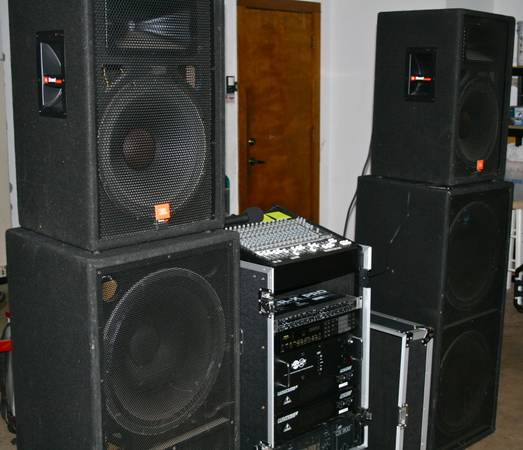 AWESOME FULL PA SYSTEM FOR A BAND -- LOOK AND SOUND AMAZING - x00242400 (ne san antonio)