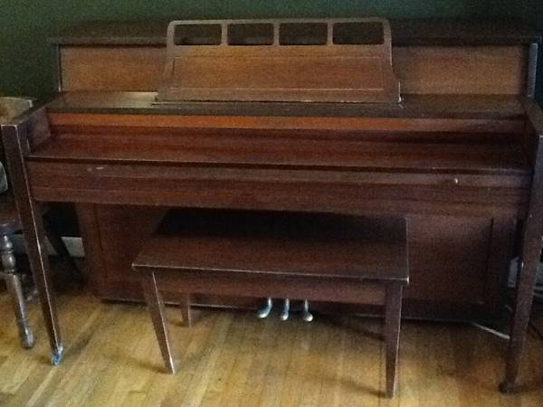 1008410084Spinet Nancy Hart PIANO 1008410084Priced to sell - $50 (Crossroads )