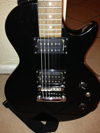 Gibson Epiphone Special Model Electric Guitar with  and case - $160 (NE San Antonio)