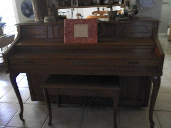 Schafer Sons 42 CONSOLE PIANO w Bench - $995 (San Antonio, Texas)