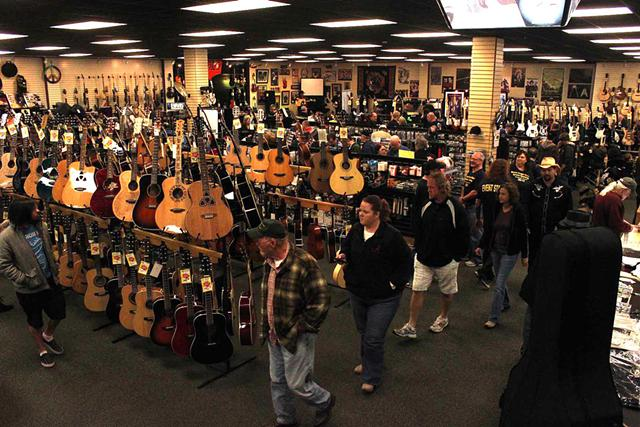 10 Great Reasons to buy from Overstock Musical Instruments