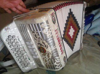 Accordeon Gabbanelli fa 5 registros - $2300 (South san antonio)