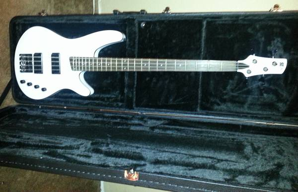 Ibanez SD-GR (SRX2EX2) White 4-String Electric Bass with Case - $275 (281 1604)
