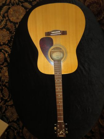 RARE YAMAHA F-315A ACOUSTIC GUITAR RARE AND HARD-TO-FIND - $150 (BANDERA RD  1604)