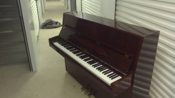 conover cable upright - $1350 (Boerne)