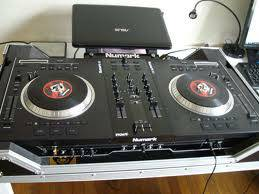 NUMARK NS7 WITH NSFX AND FLYING CASE WITH STAND-----TRADE FOR A IMAC - $1100 (SAN ANTONIO 410E - 35N)