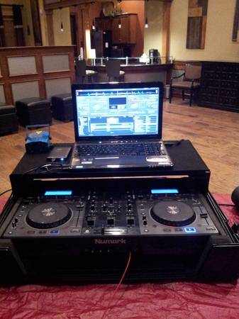 wanna trade my numark mixdeck for Ns7 (north central)