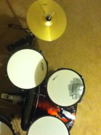 Groove Percussion drum set - $150 (Shaenfield 1604)