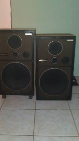 pioneer speakers - $40 (old pearsall rd)