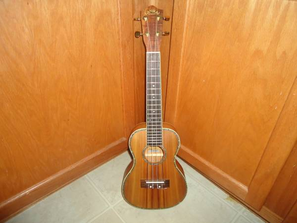 Authentic Hawaiian Ukulele Guitar - $150 (Potranco 1604)