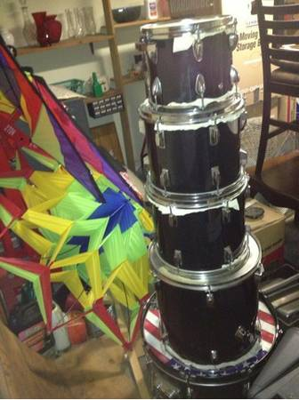 acclaim 5 piece drum set - $75 (NW San Antonio)