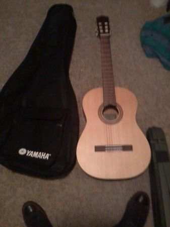 Used drum cymbals and an acoustic yamaha guitar - $50 (Marion)