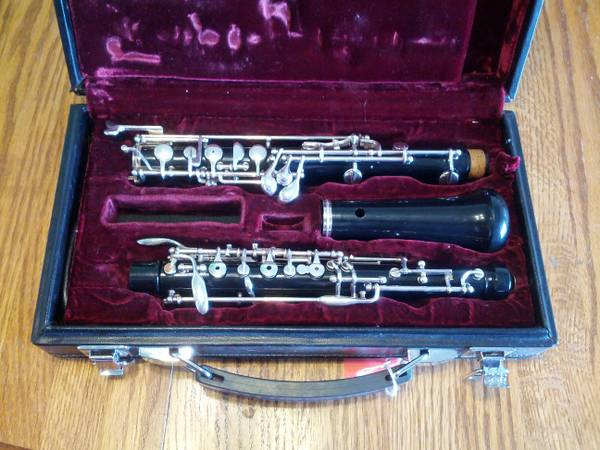 BEAUTIFUL Yamaha YOB-211 (YOB-241) Student Oboe READY TO PLAY - $500 (North Star Mall)