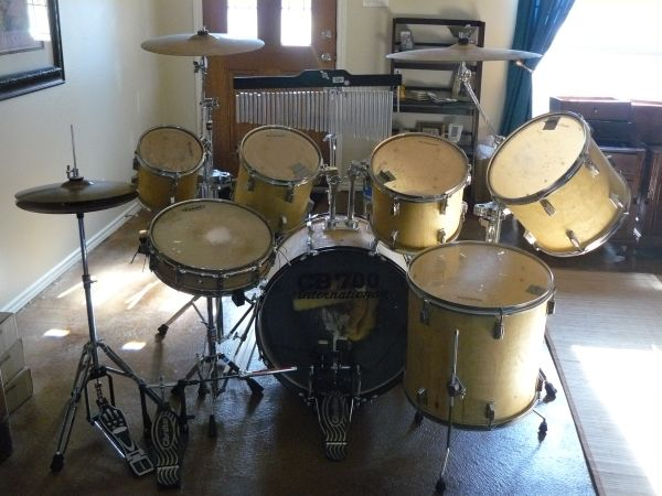 Acclaim Drum Set with Double Bass Pedal, Snare and Chimes - $550 (Universal City)